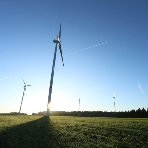 Větrný park v Jindřichovicích pod Smrkem