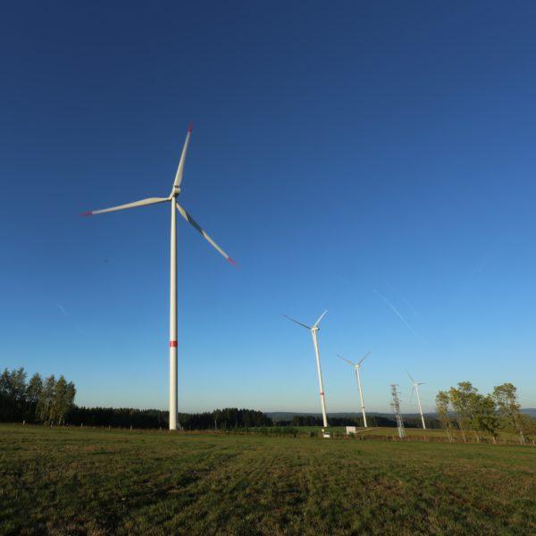Větrné elektrárny Jindřichovice pod Smrkem