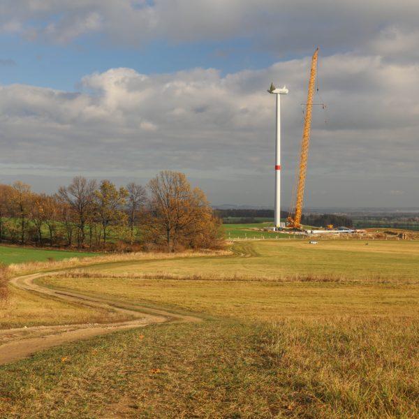 Výstavba větrné elektrárny v obci Kobylá nad Vidnavkou